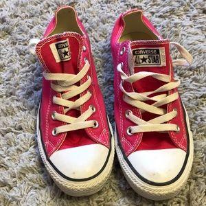 Pink low top converse